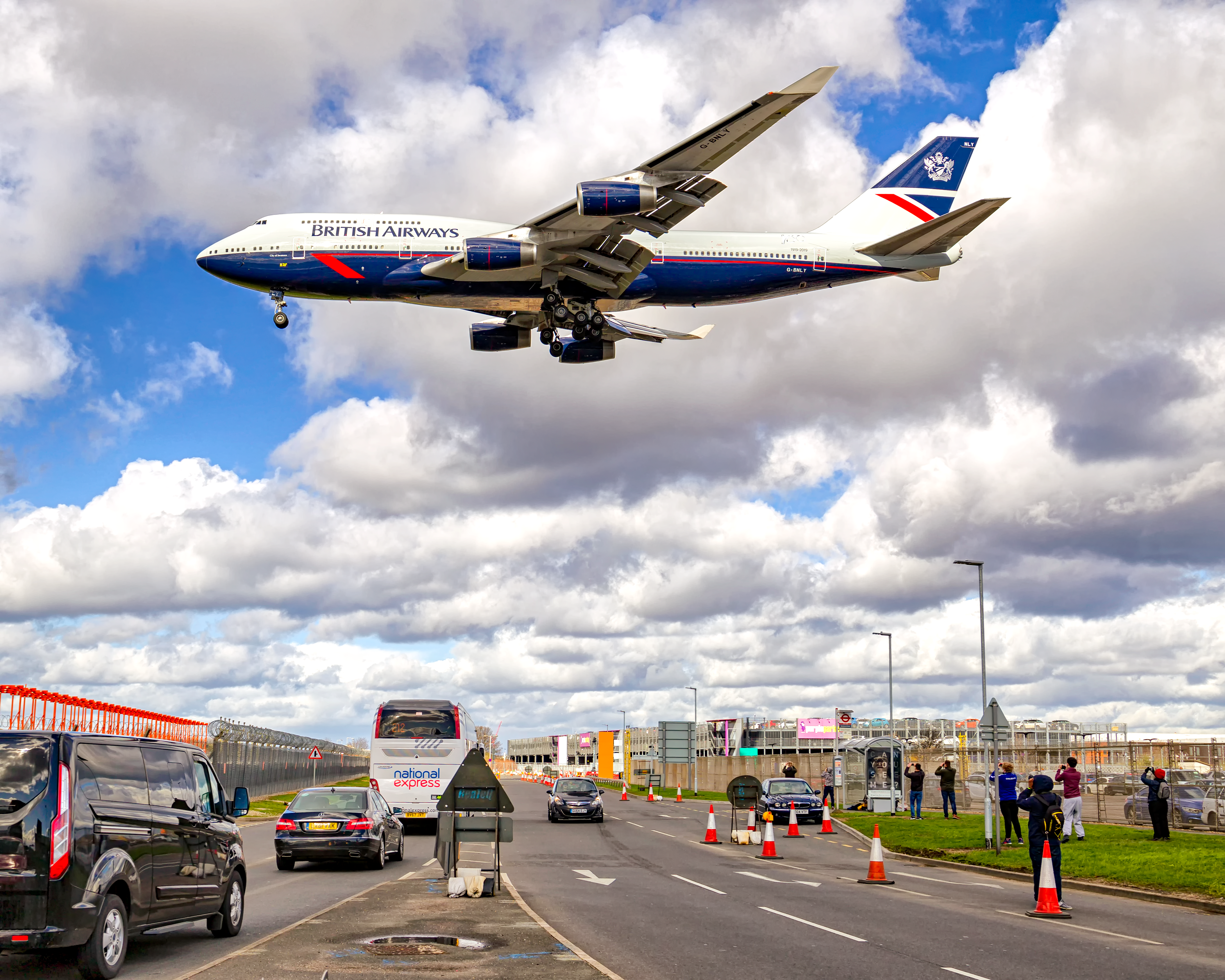 Forecourt Access Charge Announced at Heathrow