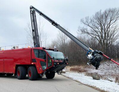 Phoenix Fire Department at Sky Harbor Adds Oshkosh Striker 8×8 to Fleet