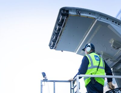 Menzies Aviation Wins United Airlines Cargo Contracts in Australia
