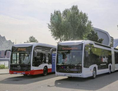 Double Handover of Mercedes-Benz eCitaro G Buses in Hamburg